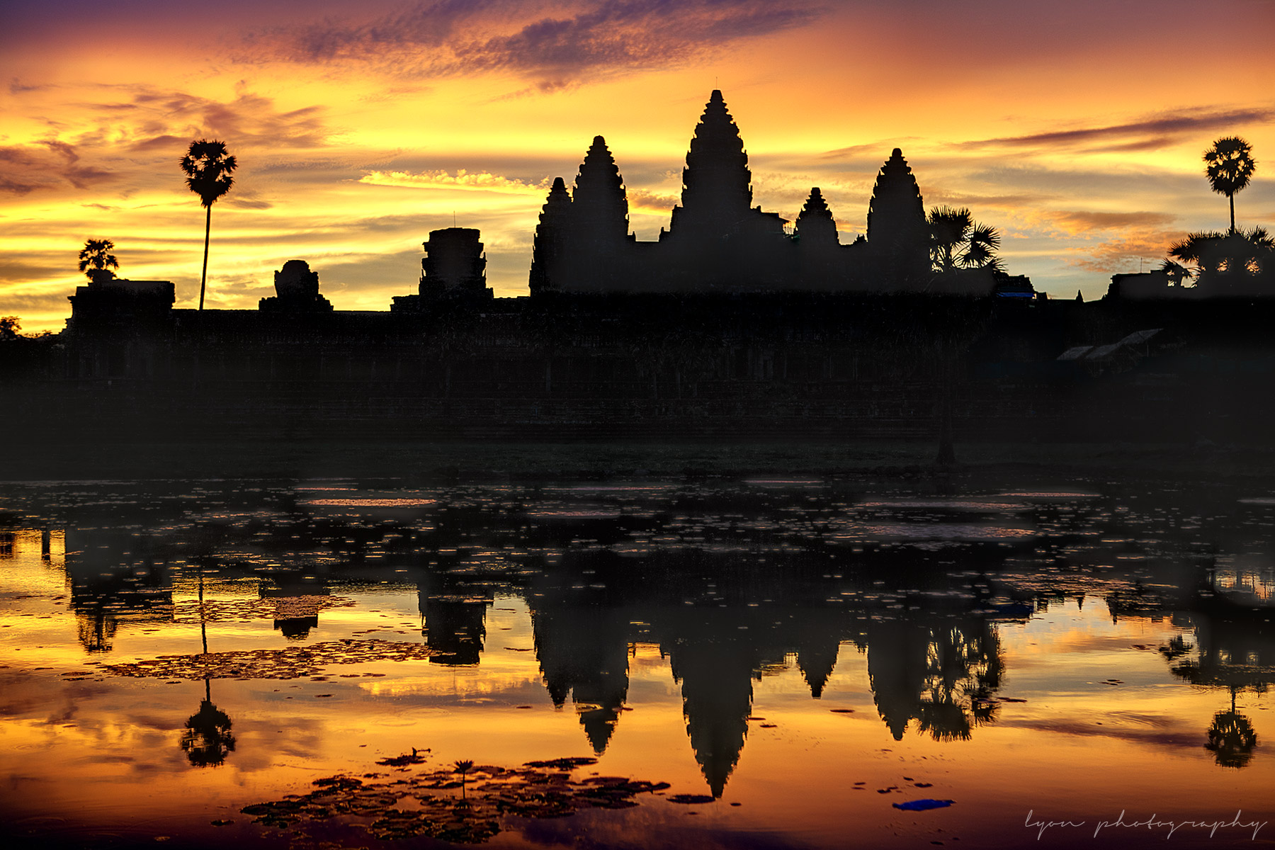 Lyon_Photography-angkor_wat_sunrise