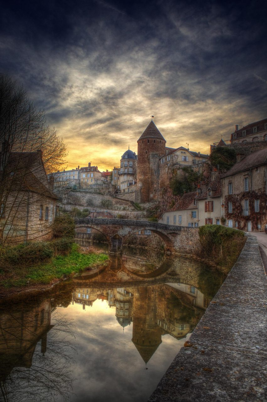 france_april_09-semur_auxois-towers-7_8_9_tonemapped